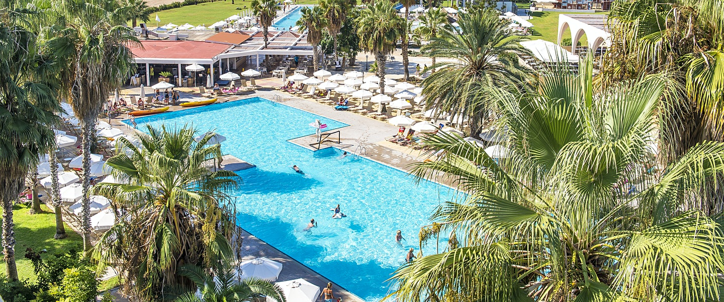 Louis phaethon beach hotel for Billige pool sets