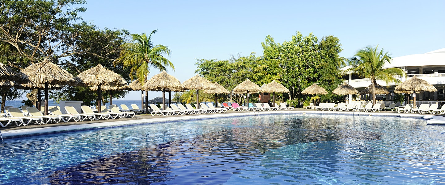 Clubhotel riu negril for Billige pool sets
